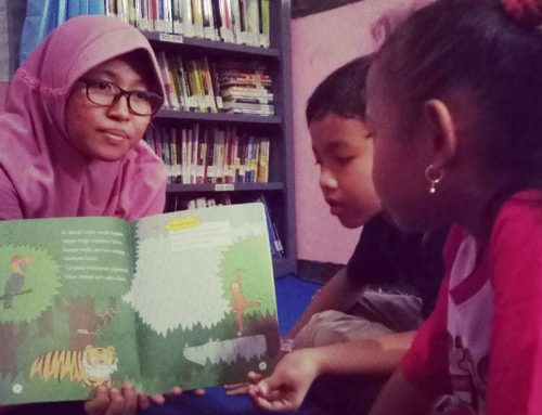 "Building Friendship: Muslim and Christian Children Come Together at the ""Damai"" Library"
