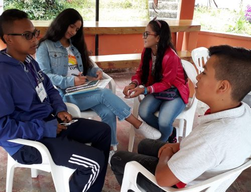 Colombian Adolescents Take AVP Workshops