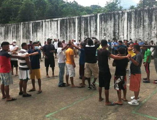 Easing Stress with Mini-Workshops, Music and Joy in Honduran Prisons